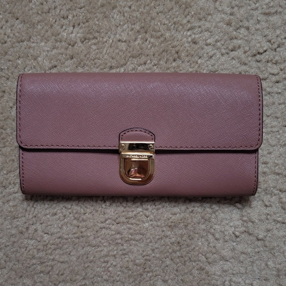 Michael Kors Handbags - Michael Kors Dusty Rose Wallet